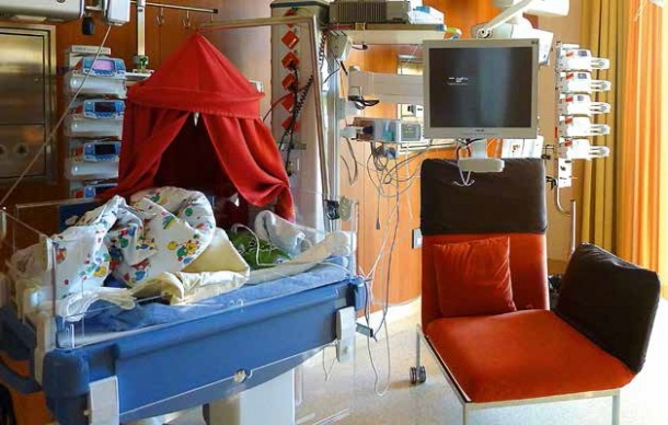 Room on the ICU in the Perinatal Centre, University Hospital Salzburg,...