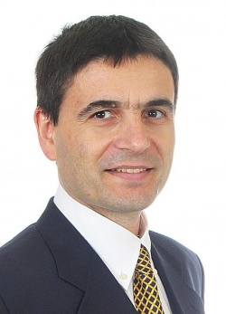 Damien Salauze, director of Curie-Cancer
