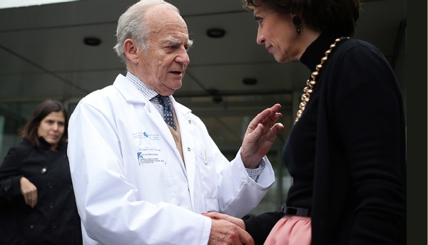 Dr. Alain Carpentier with the Fren Health Minister Marisol Touraine
