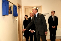 Photo: Duke of Kent unveils expanded and refurbished consulting rooms