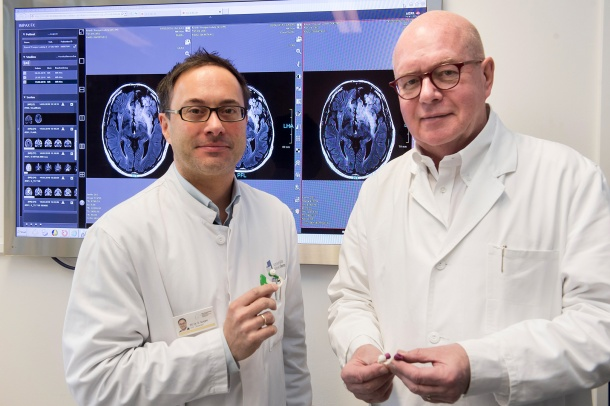 Telemedicine for epilepsy patients: Prof. Dr. Christian Elger (right) and...