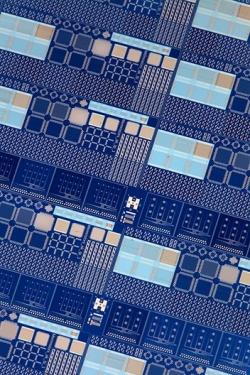 Image shows a memristor chip.