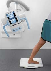 Photo: Digital X-ray unit with a wireless detector