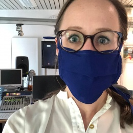 Elena was filming a TV production about wearing masks for corona prevention....