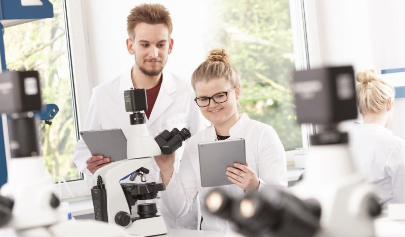 Turning microscopes in the classroom into a wireless imaging system