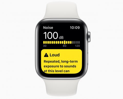 apple smartwatch displaying hearing app