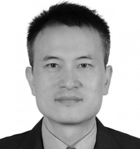 portrait of Weihong Huang