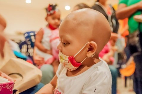 child suffering from cancer in hospital