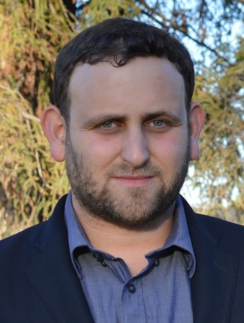 Portrait photo of Dvir Aran